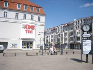antonplatz berlin wei ensee stra e platz. Black Bedroom Furniture Sets. Home Design Ideas