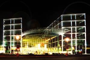 Hauptbahnhof (2006) Hauptbahnhof, Berlin-Moabit, Nicht nur für Bahnreisende
