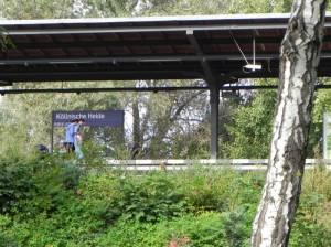 S-Bahnhof Köllnische Heide (2011) S-Bahnhof Köllnische Heide, Berlin-Neukölln, Mauerweg, Heidekampgraben, Gartenkulturpfad, Märchenbrunnen, Volksgärten
