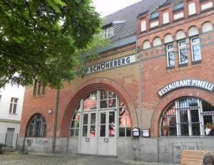 S-Bahnhof Schöneberg, Berlin-Schöneberg, 12-Apostel Kirchhof, Gasometer