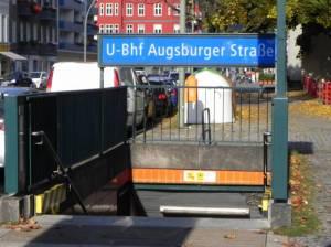 U-Bahnhof Augsburger Straße, Charlottenburg