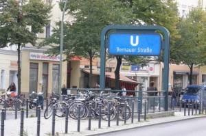 U-Bahnhof Bernauer Straße, Wedding und Berlin-Mitte