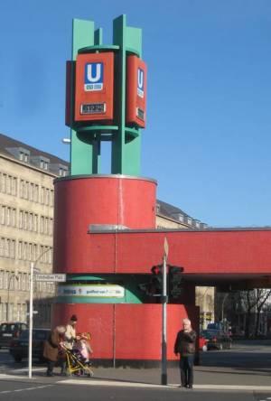 U-Bahnhof Fehrbelliner Platz (2008) U Fehrbelliner Platz, Preußenpark, Senatsverwaltungen, Flohmarkt