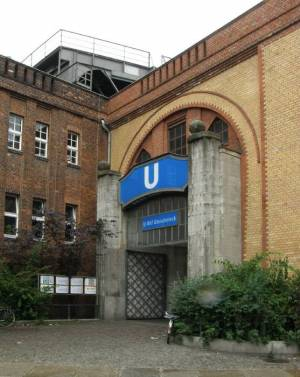 Eingangsgebäude Luckenwalder Straße U Gleisdreieck, Mit U1 oder U2 zum Deutschen Technikmuseum
