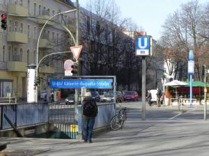 U-Bahnhof Kaiserin-Augusta-Straße, Berlin-Tempelhof, Rathaus Tempelhof, Franckepark, Alter Park
