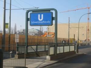 U-Bahn Schwartzkopffstraße (2009) U Schwartzkopffstraße, Berlin-Mitte, Friedhöfe Liesenstraße, Bundesnachrichtendienst