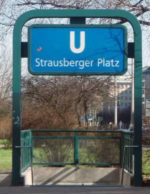 U Strausberger Platz, Friedrichshain