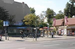 U-Bahnhof Yorckstraße (2009) U-Bahnhof Yorckstraße, Park am Gleisdreieck, Leydicke, Alter St. Matthäus Kirchhof