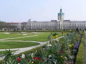 Barockgarten mit Fontäne und Schloss (2011) Barockgarten, Berlin-Charlottenburg, Schlosspark Charlottenburg