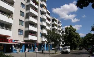 Ackerstraße (2010) Ackerstraße, Berlin-Gesundbrunnen, Volkspark Huboldthain, Park am Nordbahnhof, Schrippenkirche, Gedenkstätte Berliner Mauer