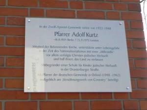 Gedenktafel am Gemeindehaus (2011) An der Apostelkirche, Berlin-Schöneberg,