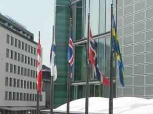 Nationalflaggen (2011) Finnland, Berlin-Tiergarten, Botschaft