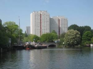 Fischerinsel, im Vordergrund der Historische Hafen (2009) Fischerinsel, Berlin-Mitte, Historischer Hafen