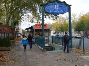 Hermannstraße, am U-Bahnhof Leinestraße (2017) Hermannstraße, Berlin-Neukölln, Kindl-Brauerei, Anita-Berber-Park