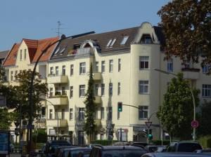Kaiserstraße (2016) Kaiserstraße, Berlin-Mariendorf, Gesundheitsamt, Kirche Maria Frieden, Martin-Luther-Gedächtniskirche, Eckener-Gymnasium