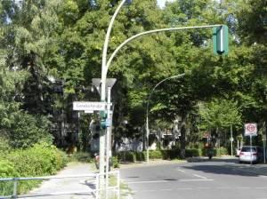 Kurfürstenstraße / Ecke Gersdorfstraße (2011) Kurfürstenstraße, Berlin-Mariendorf, Teltowkanal