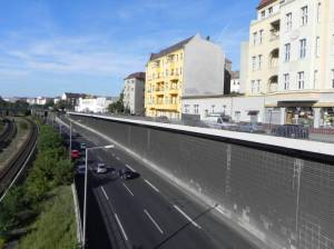 Saldernstraße mit Stadtautobahn und Ringbahn (2011) Saldernstraße, Berlin-Charlottenburg, Stadtautobahn