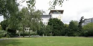 Liegewiese (2010) Steinplatz, Berlin-Charlottenburg, TU-Berlin, Gedenken an Stalinismus und Nationalsozialismus, Bernhard Weiß