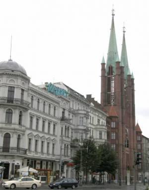 Yorckstraße, St. Bonifatius-Kirche (2008),  Yorckstraße, Berlin-Kreuzberg, Rathaus Kreuzberg, St. Bonifatius-Kirche