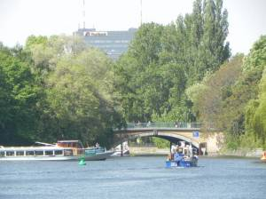 Baerwaldbrücke (2011) Baerwaldbrücke, Berlin-Kreuzberg, Landwehrkanal, Urbanhafen, Böcklerpark, Prinzenbad
