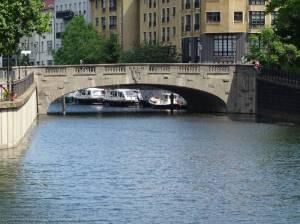 Grünstraßenbrücke (2017) Grünstraßenbrücke, Berlin-Mitte, Spreekanal