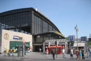 S-Bahnhof Zoologischer Garten (2009) S-Bahnhof Zoologischer Garten, Berlin-Charlottenburg, Zoologischer Garten, c/o Berlin, Museum für Fotografie,  Großer Tiergarten, Bikini-Berlin, Kaiser-Wilhelm-Gedächtniskirche