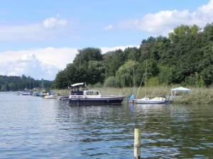 Am Ufer (2010) Am Ufer, Gemeinde Schwielosee, Geltow (Wildpark West), Havel, Anglerklause