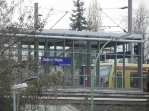 S-Bahnhof Osdorfer Straße (2013) S-Bahnhof Osdorfer Straße, Einkaufszentrum, Kraftwerk Lichterfelde, Lilienthal-Gedenkstätte