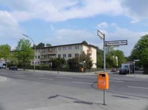 Marienfelder Allee (Foto:2011) Marienfelder Allee, Berlin-Marienfelde, Erinnerungsstätte Notaufnahmelager, Friedhof Marienfelde