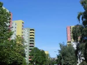 Waldsassener Straße, Berlin-Marienfelde, Wohnblocks und Quartiersmanagement