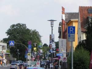 Alt-Rudow zu Wahlkampfzeiten (2011) Alt-Rudow, Berlin-Rudow, Dorfteich, Heimatmuseum, Einkaufsstraße