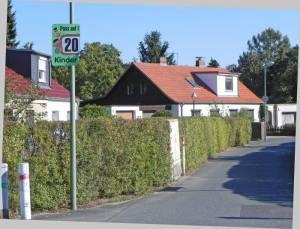 Dachdeckerweg 2015 Dachdeckerweg, Berlin-Britz, Britzer Garten, Neukölln-Mittenwalder-Eisenbahn