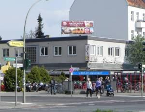 U-Bahnhof Alt-Mariendorf (2014) U-Bahnhof Alt-Mariendorf, Mariendorf, Volkspark Mariendorf, Heimatmuseum, Heidefriedhof, Friedhof Mariendorf II, Dorfkirche, Trabrennbahn