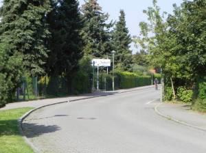 Sangerhauser Weg (Foto. 2011) Sangerhauser Weg, Britzer Garten, Tennisanlagen, Kleingärten