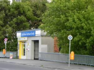 U-Bahnhof Neue Grottkauer Straße (2012) U-Bahnhof Neue Grottkauer Straße, Berlin-Hellersdorf, Wuhletal, Jelena-Šantić-Friedenspark, Hellersdorfer Corso, Museumswohnung