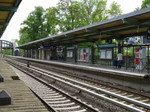 S-Bahnhof Buckower Chaussee (2016) S-Bahnhof Buckower Chaussee, Berlin-Marienfelde, Gutspark Marienfelde, Alt-Marienfelde