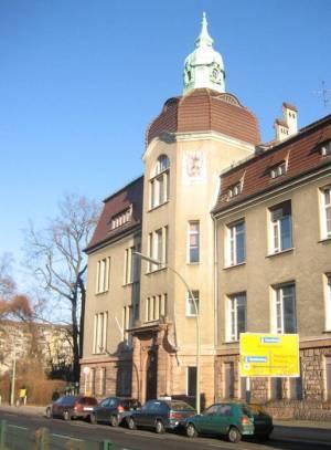 Ehemaliges Deutsches Zuckermuseum in Wedding, Maßvoller Umgang erspart oft den Zahnarzt.