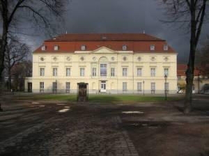 Langhansbau (Schloss Charlottenburg) Langhansbau,