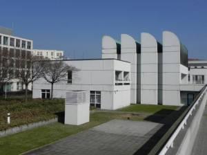 Bauhaus Archiv (2012) Bauhaus-Archiv, Berlin-Tiergarten, Landwehrkanal, Calandrelli-Anlage