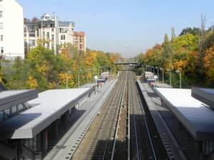 S-Bahnhof Julius-Leber-Brücke, Berlin-Schöneberg, Alter 12-Apostel Kirchhof, Schöneberger Hauptstraße