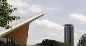 Mit Haus der Kulturen der Welt Carillon, 42 m hohes Musikinstrument