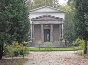 Schlosspark Charlottenburg, Mausoleum (2014) Mausoleum, Berlin-Charlottenburg, Schlosspark Charlottenburg, Fontäne, Barockgarten, Karpfenteich, Obelisk
