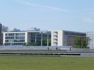 Vom Spreeufer (2011) Auswärtiges Amt, Berlin-Mitte, Friedrichswerdersche Kirche, Bauakademie, Bärenbrunnen