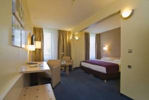 GHOTEL hotel & living Hamburg, Kaltenkirchener Str. 1, 22769 Hamburg