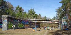 Alte Eisenbahnbrücke über ehemalige Autobahn 2017 Eisenbahnbrücke, Kleinmachnow, Ehemalige Autobahn