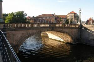 Südliche Monbijoubrücke (2009) Monbijoubrücke (südliche), Spree, Kupfergraben, Bodemuseum