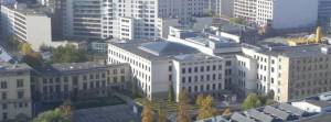 Bundesrat, links die Verbindung zum Berliner Abgeordnetenhaus (2011) Bundesrat, Berlin-Mitte,
