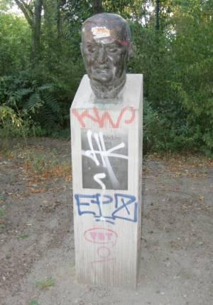 Hans Böckler, Kreuzberg