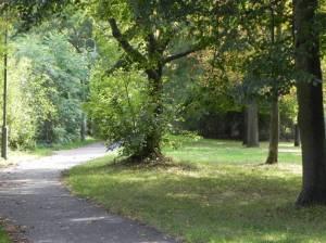Yedhudi-Menuhin-Park (2014) Yehudi-Menuhin-Park, Berlin-Nikolassee, Gartenstadt Düppel,. Studentendorf Schlachtensee, Waldfriedhof Zehlendorf