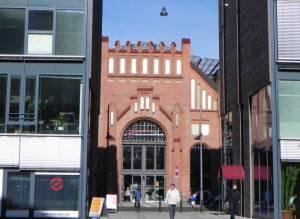 Borsighallen, Eingang am Borsigturm (2010) Hallen am Borsigturm, Berlin-Tegel, Einkaufszentrum in einer ehemaligen Werkshalle